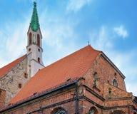 St John kyrka i den gamla staden av Riga Royaltyfria Bilder