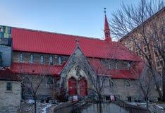 St John kyrkan för evangelistAnglican Church Red tak - Montreal, Quebec, Kanada royaltyfria bilder
