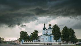 St John la iglesia del convento de Korma en el pueblo de Korma, distrito de Dobrush, Bielorrusia Iglesia ortodoxa famosa contra f almacen de metraje de vídeo