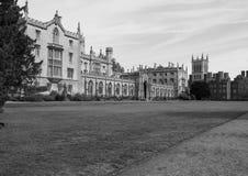 St John szkoły wyższej Nowy sąd w Cambridge w czarny i biały fotografia stock