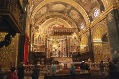 St- Johnsc$mit-kathedrale nach innen, La Valletta, Malta Stockbilder