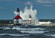 St. Joseph Lighthouse Storm, Michigan de V.S. Stock Foto