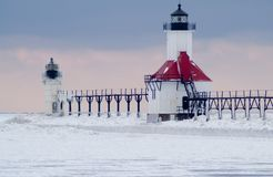 St., Joseph North Pier Lighthouse in de Winter Royalty-vrije Stock Afbeeldingen