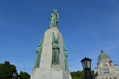 St Joseph Oratory dans la vue de statue de Montréal Photo stock