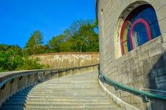 St Joseph Oratory treden Zijaanzicht Stock Fotografie