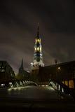 St Katharinen Hauptkirche, Гамбург, на ноче Стоковое фото RF