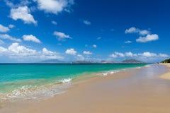 St Kitts brać od plaży na St Nevis Obrazy Royalty Free