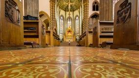 St.-Konfetti-Kathedralen-Innenkirchenschiff A Lizenzfreie Stockfotos