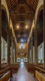 St.-Konfetti-Kathedralen-Innenkirchenschiffansicht vom Altar Lizenzfreies Stockbild