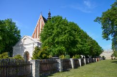St Ladislaus Wladyslaw Church, Szydlow, Polônia imagens de stock royalty free
