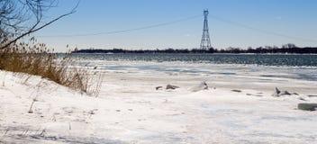 St Lawrance rzeki krajobraz w zimy Tracy Qc Kanada Obraz Stock