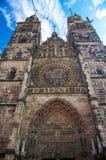 St Lawrence Church i den gamla staden Nuremberg Nurnberg, Bayern, Ger royaltyfri foto