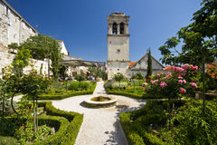 St.Lawrence church and the medival Mediterranean g. Arden in the old part of Sibenik Royalty Free Stock Photos