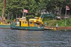 St Lawrence Marine e chiatta di dragaggio Fotografia Stock