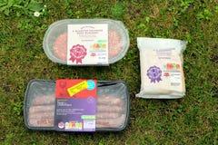 St Leonards, Hampshire, het UK - 30 Mei 2017: Selectie van vlees voor Stock Foto