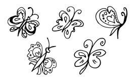 St?ll in av utdragna fj?rilar f?r handen som isoleras p? svart bakgrund klottrade beståndsdelar för garnering royaltyfri illustrationer