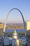 St. Louis arch with Old Courthouse and Mississippi River, MO Stock Photos