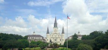 St Louis Cathedral e Jackson Square em Nova Orleães Foto de Stock