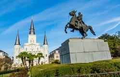 St Louis Cathedral en het standbeeld van Andrew Jackson in Jackson Square, New Orleans, Louisiane royalty-vrije stock afbeeldingen