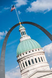 St Louis Courthouse & Arch Royalty Free Stock Photos