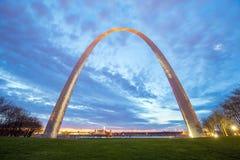 St Louis Gateway Arch en Missouri Imagen de archivo