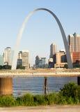 St Louis Missouri miasta Skline łuku W centrum brama Zachodnia Fotografia Royalty Free