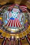 ST LOUIS, MO, EUA - 9 de julho de 2018 - réplica da bandeira da guarnição fotografia de stock royalty free