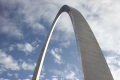 St Louis, MO - May 23, 2015 Gateway Arch looking up at clouds royalty free stock photos