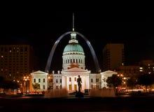 St. Louis - Palacio de Justicia viejo en la noche Fotografía de archivo
