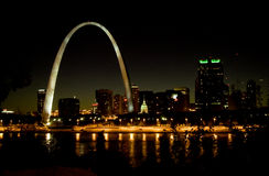 St Louis Skyline na noite Fotos de Stock Royalty Free