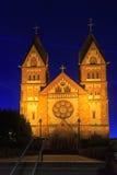St Lutwinus kościół w Mettlach przy nocą Obraz Royalty Free