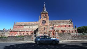 ST Magnus Cathedral στην πόλη Kirkwall, Orkney, Σκωτία απόθεμα βίντεο