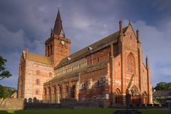 St magnus cathedral. Kirkwall, Orkney, in evening sunlight stock images