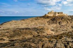 St-Malo, старый город пирата, Франция Стоковые Изображения RF