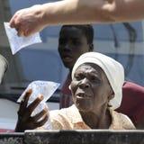 ST MARC, HAIT : LE 22 FÉVRIER 2013 -- Mission à l'assoiffé Images stock