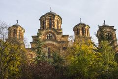 St Mark Kirche oder Kirche von St Mark im Park in Belgrad, Serbien, nahe dem Parlament von Serbien lizenzfreie stockbilder