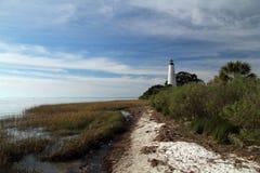 St. markiert Leuchtturm u. Strand stockfotografie