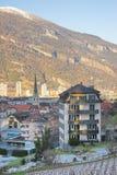 St Martin Church ed alpi in Chur ad alba Immagini Stock