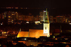 St. Martin kathedraal bij nacht stock afbeeldingen
