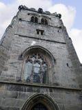 St Mary's教区教堂和校舍下面的Alderley的彻斯特 免版税图库摄影
