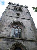 St Mary's Parochiekerk en Schoolgebouw in Onder- Alderley Cheshire Stock Afbeeldingen