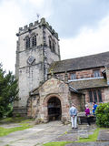 St Mary's Parochiekerk en Schoolgebouw in Onder- Alderley Cheshire Royalty-vrije Stock Afbeeldingen