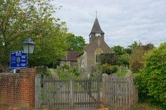 St Mary церковь девственницы Buckland, Суррей r стоковое фото rf