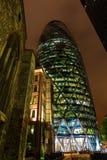 30 St Mary Axe à Londres, R-U, la nuit Images libres de droits
