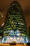 30 St Mary Axe in Londen, het UK, bij nacht Stock Foto
