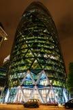 30 st Mary Axe a Londra, Regno Unito, alla notte Fotografia Stock