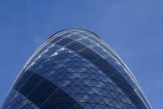 30 St Mary Axe, o pepino, suíço com referência à construção em Londres, Inglaterra, Europa Fotografia de Stock Royalty Free
