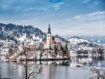 St Mary Church på Bled ön, Slovenien royaltyfri foto