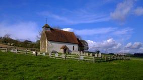 St Mary il vergine - la chiesa in un campo vicino a Duncton sui bassi del sud in West Sussex, Regno Unito fotografia stock