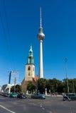 St. Mary kościół i Berlin TV wierza (Marienkirche) Fotografia Stock